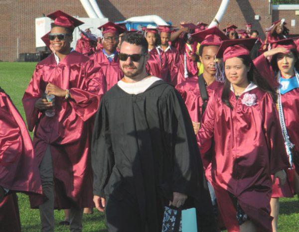 UCL-UNI-UHS-Grad-(31)